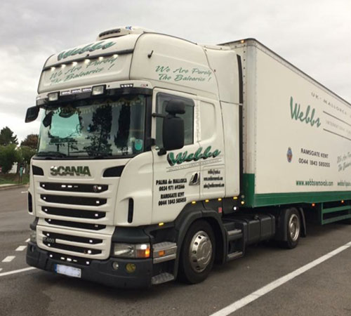 W999 BBS Scania R400 Unit – Driven Primarily by Mike Goodier , a long standing member of the Webbs Team ! This pulls our Mega cube trailers on the weekly scheduled services.